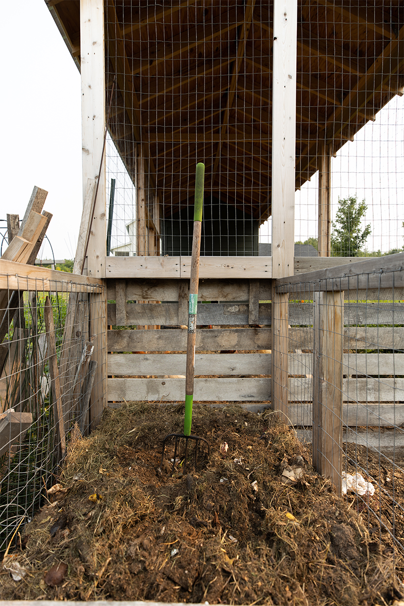 COmpost pile and with tips on composting