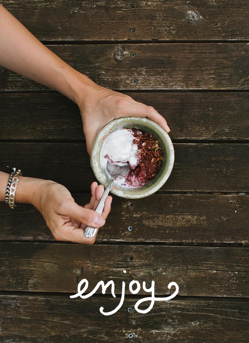 Simple Vegan Fruit Crumble Recipe  |  The Fresh Exchange