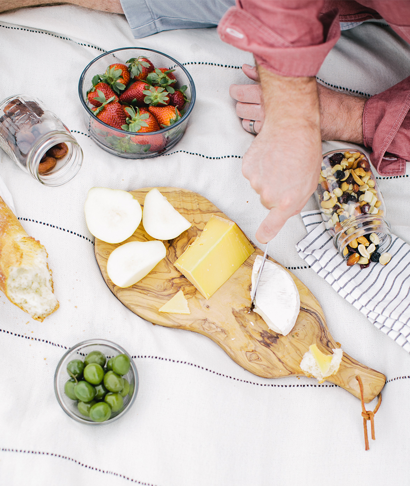 Creating a Perfect Spring Picnic with L.L. Bean   |  The Fresh Exchange