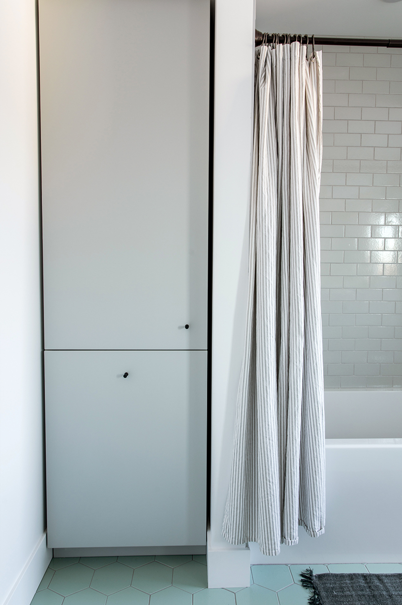 Building Home: Kid/Guest Bathroom Reveal | Fresh Exchange