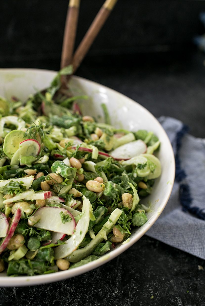 A Spring Garden Salad recipe perfect for a veggie dinner night in the spring. Get the recipe on The Fresh Exchange.