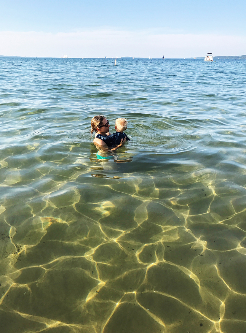 Kid Friendly travel in Traverse City Michigan. The best places to go and see while in Traverse City and Leelanau with kids. Family friendly places in Traverse City.