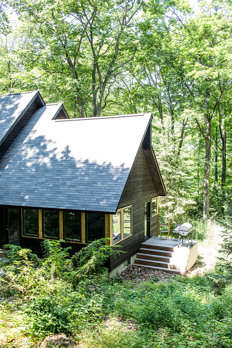 Michigan Home Tour - The Wayfarer Treehouse | The Fresh Exchange | Modern Black Farmhouse